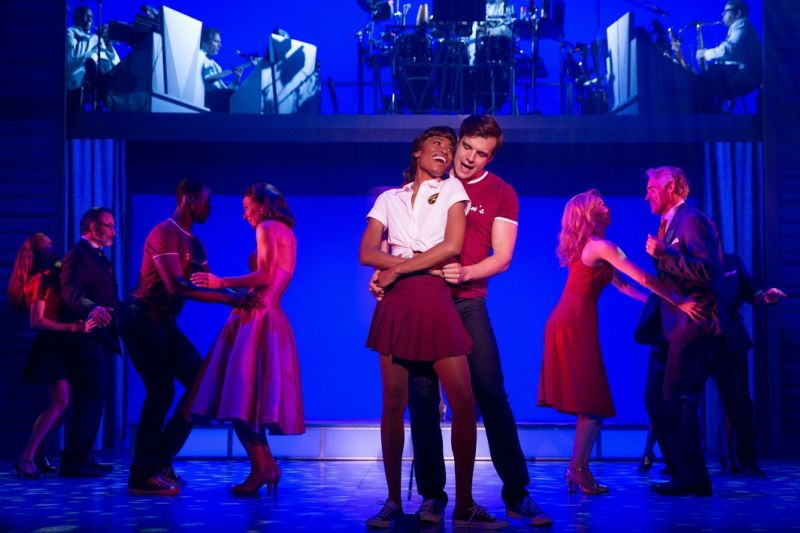 BWW Reviews: Have the Time of Your Life at DIRTY DANCING