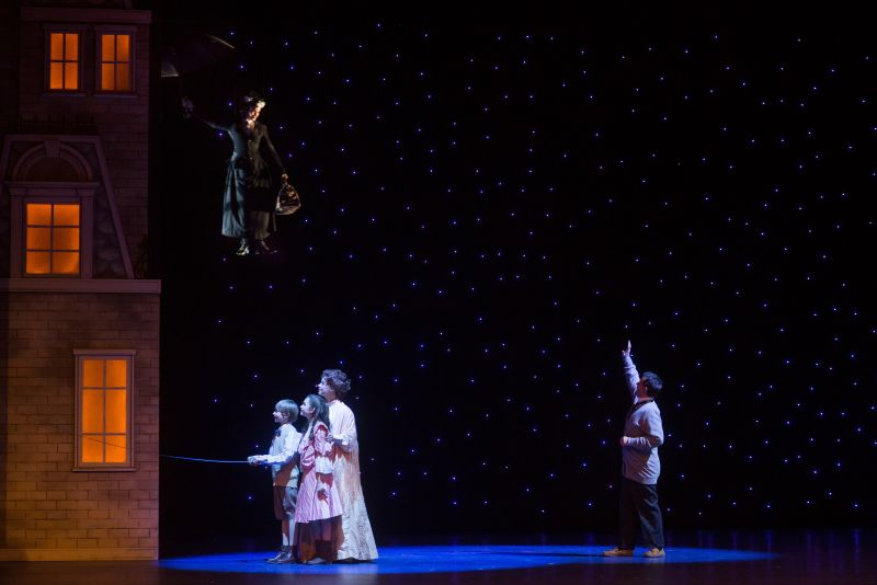 BWW Reviews: What a Jolly Holiday with MARY POPPINS