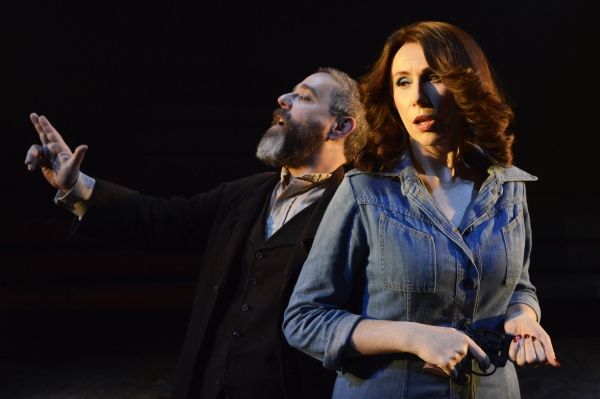 Andy Nyman (Charles Guiteau) and Catherine Tate (Sara Jane Moore)