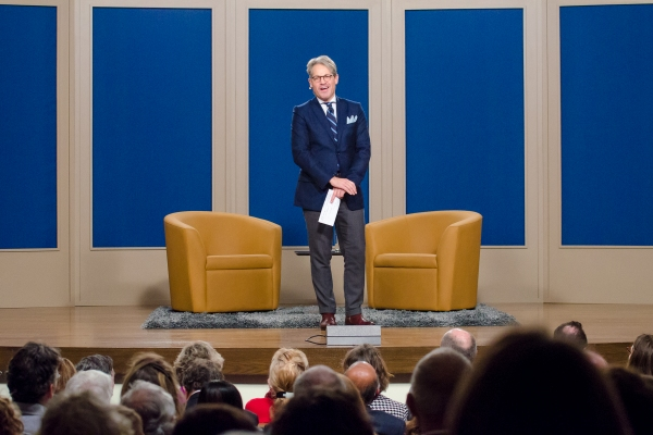 Photo Flash: Dick Cavett Introduces Newest Book at W83 in Manhattan