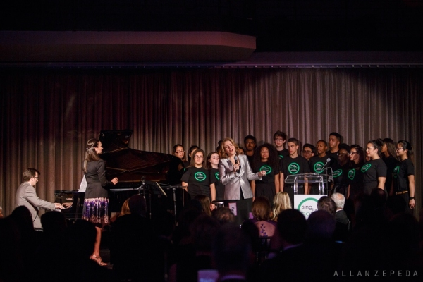 Renee Fleming invited the Sing for Hope Youth Chorus to sing the final song of the night with her.