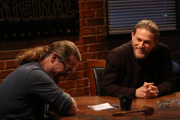 Sons of Anarchy creator Kurt Sutter discusses the legacy of Sons of Anarchy with Charlie Hunnam