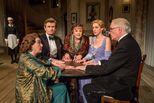 Susan Louise O'Connor as Edith, Sandra Shipley as Mrs. Bradman, Charles Edwards as Charles Condomine, Angela Lansbury as Madame Arcati, Charlotte Parry as Ruth Condomine and Simon Jones as Dr. Bradman