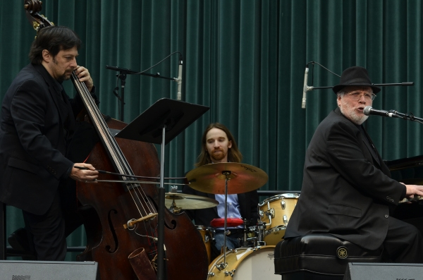 Photos: National Yiddish Theatre Kicks Off the Holiday Season with SONGS OF CHANUKAH Concert