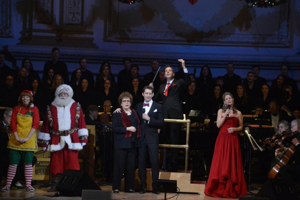 Photo Flash: Kelli O'Hara and Matthew Morrison Perform Holiday Concert with NY Pops