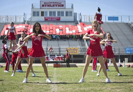 Naya Rivera, L) and Brittany (Heather Morris
