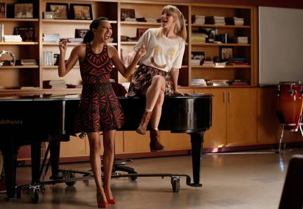 (Naya Rivera, L) and Brittany (Heather Morris