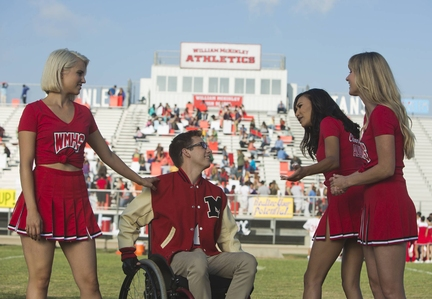 Dianna Agron, L), Artie (Kevin McHale, second from L), Santana (Naya Rivera, third from L) and Brittany (Heather Morris