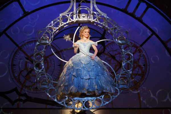 Photo Flash: WICKED Welcomes New Cast- Meet New Witches Caroline Bowman and Kara Lindsay!