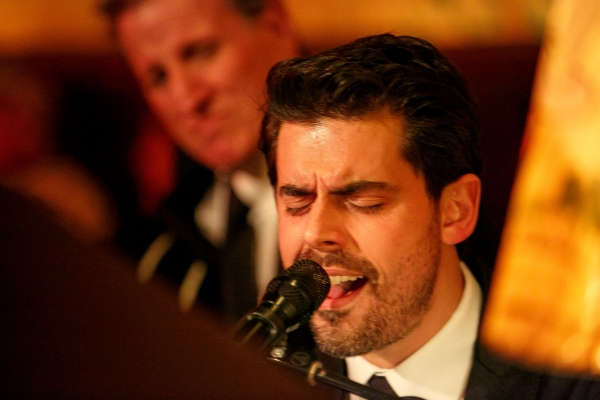 Photo Flash: Tony DeSare Performs Bemelmans Residency at The Carlyle