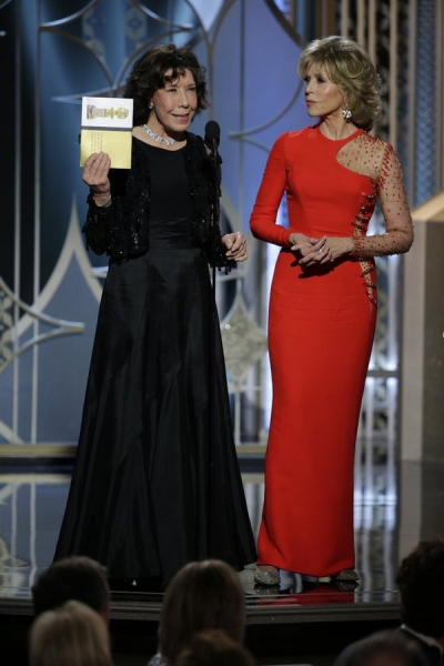 72nd ANNUAL GOLDEN GLOBE AWARDS -- Pictured: (l-r) Lily Tomlin, Jane Fonda, Presenters at the 72nd Annual Golden Globe Awards held at the Beverly Hilton Hotel on January 11, 2015 -- (Photo by: Paul Drinkwater/NBC)
