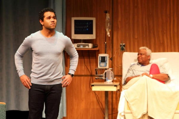 Photo Flash: First Look at Corbin Bleu, Colleen Zenk and More in Human Race Theatre Co's FAMILY SHOTS