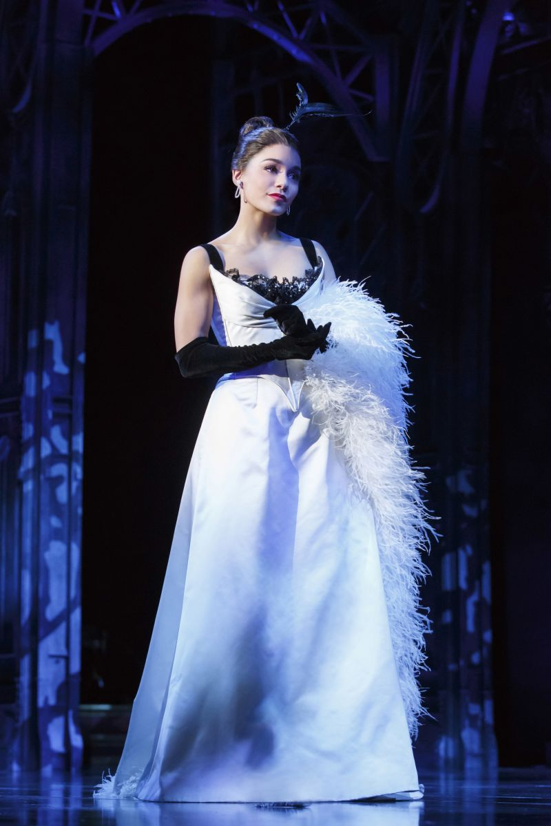 Photo: Swarovski Brings Sparkling Glamour to Broadway ...
