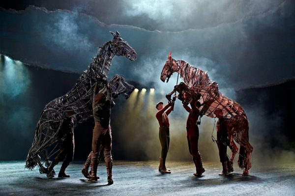 New London Theatre Cast of WAR HORSE