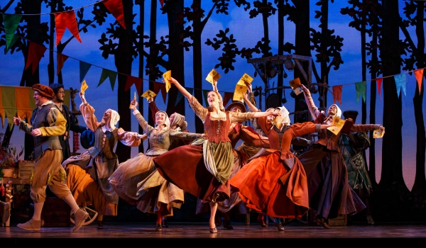 Paige Faure and the cast of the national tour of CINDERELLA