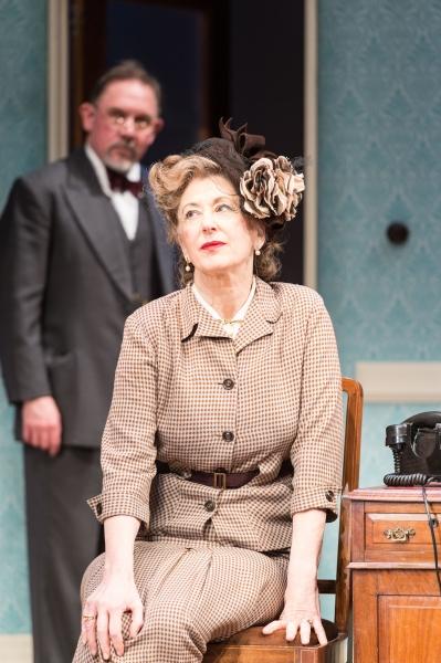 Maureen Lipman as Veta Louise Simmons