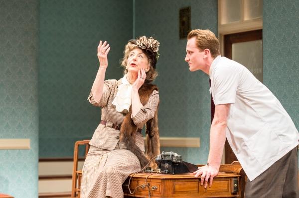 Maureen Lipman as Veta Louise Simmons and Jack Hawkins as Lyman Sanderson
