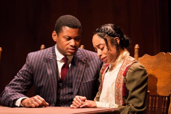 Andre Teamer (Moses Fleetwood Walker), Leslie Collins (Arabella Walker)
