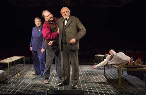 Robert Dorfman as Vasily Korinsky, Ron Orbach as Moishe Bretzky, Hal Linden as Yevgeny Zunser, and Eli Gelb as Pinchas Pelovits