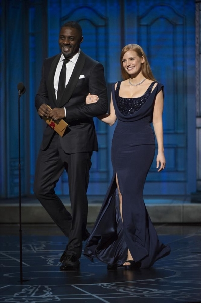 THE OSCARS(r) - THEATRE - The 87th Oscars, held on Sunday, February 22, 2015, at the Dolby Theatre(r) at Hollywood & Highland Center(r), are televised live on the ABC Television Network at 7 p.m., ET/4 p.m., PT. (A.M.P.A.S.(r)/Michael Yada)IDRIS ELBA, JES