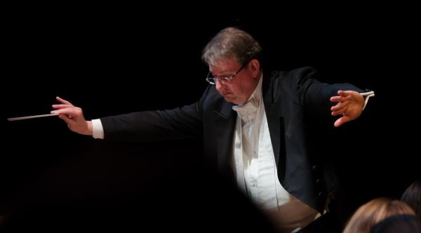 Maestro Antony Walker Photo