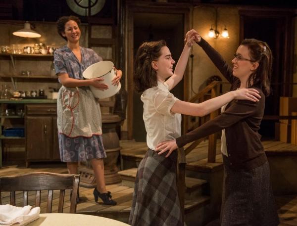 Kristina Valada-Viars (Edith Frank), Sophie Thatcher (Anne Frank) and Lila Morse (Mar Photo