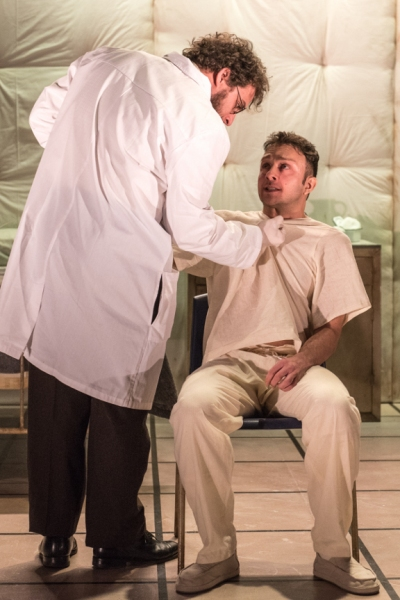 Alessandro Colla as Doctor, James Kautz as Woyzeck