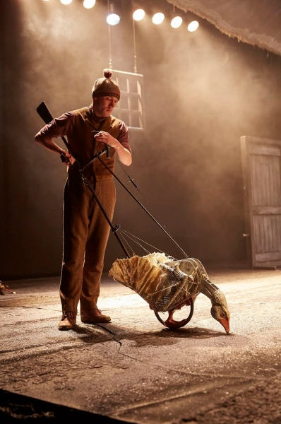 Photo Flash: First Look at New Cast of West End's WAR HORSE