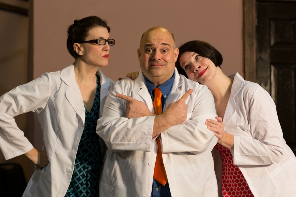 Dr. Roe Wade (Peter Zachari), Dee/Marcia (Lori Funk) Photo
