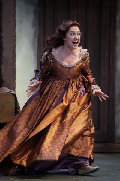 Kelly Mengelkoch as Kate