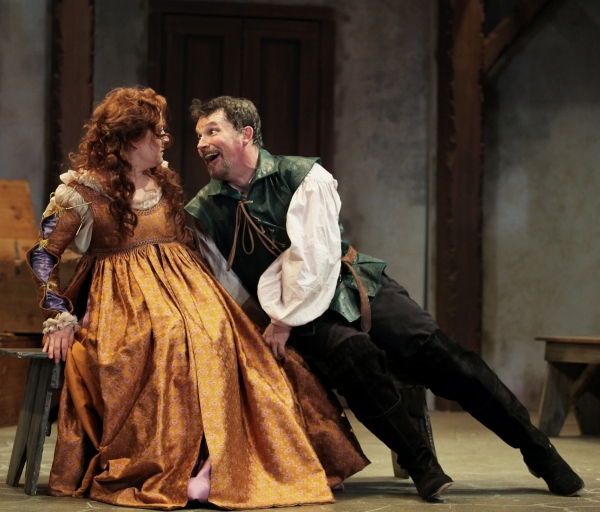 Kelly Mengelkoch as Kate and Nicholas Rose as Petruchio