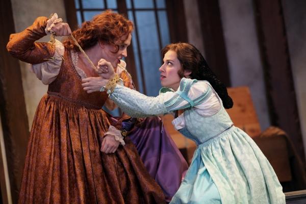 Kelly Mengelkoch as Kate and Caitlin McWethy as Bianca