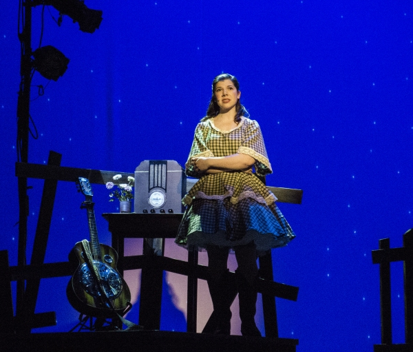 Photo Flash: First Look at RING OF FIRE at The Palace Theater