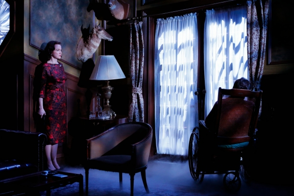 Pamela Sabaugh (Laura Warwick) with the body of her husband Richard Warwick Photo