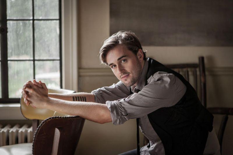 BWW Reviews: Seth Glier Charms Rockwood Music Hall