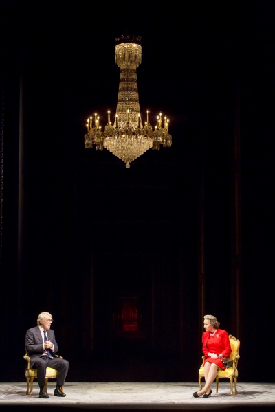 Photo Flash: First Look at Kristin Scott Thomas & More in West End's THE AUDIENCE