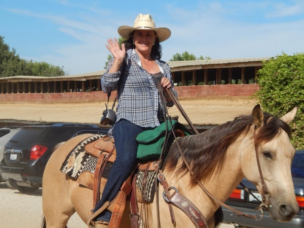 Photo Flash: Saddle Up LA Hosts Kick-Off Party at Oil Can Harry's Today