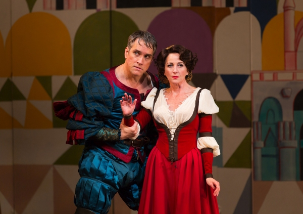 Mike McGowan as Petruchio and Anastasia Barzee as Kate