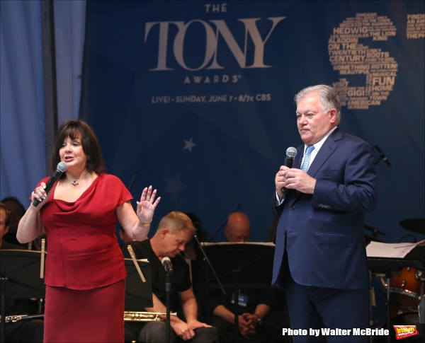 Photo Coverage: Singin' in the Street! Broadway Unites for Another Year of Stars in the Alley - Part One