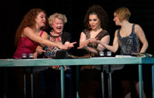 BWW Reviews: THE FULL MONTY Builds to a Crescendo of Laughter and Heart