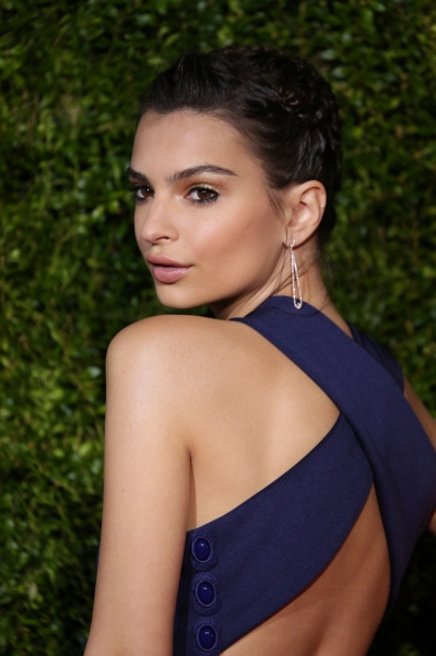 Emily Ratajkowski Photo