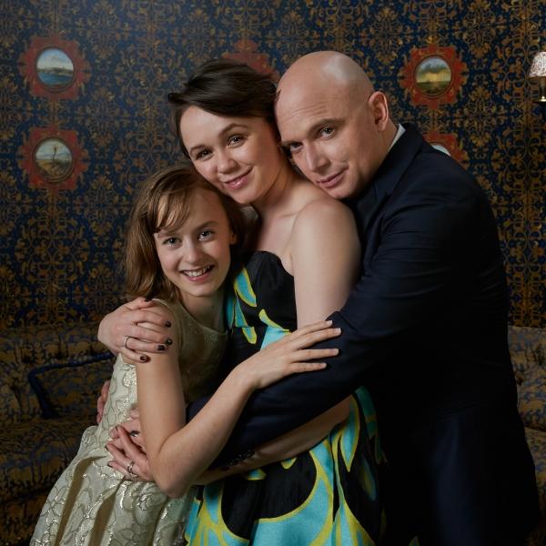 Sydney Lucas, Emily Skeggs and Michael Cerveris
