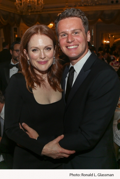 Photo Flash: Julianne Moore, David Hyde Pierce, Jonathan Groff and More at 2015 FORGET-ME-NOT Gala