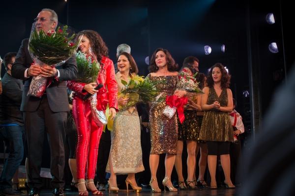 Emilio Estefan, Ana Villafane (Gloria), Gloria Estefan, Andrea Burns (Gloria Fajardo) in the ON YOUR FEET! opening night curtain call in Chicago.