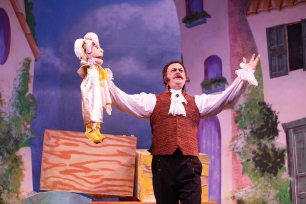 Puppeteer Stromboli (Shaun-Michael Morse) has an operatic flair.