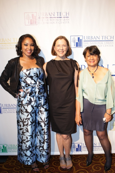 Left to Right: Alicia Quarles, Annette Bening, & Pat Bransford, Founder & President of Urban Tech  Regina Fleming photography