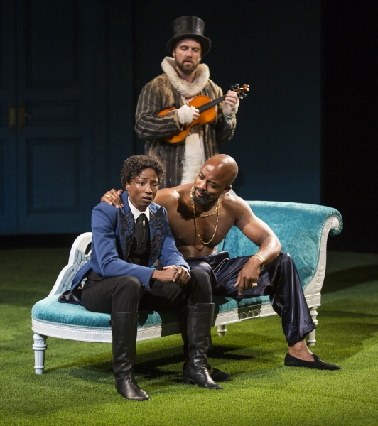 Rutina Wesley as Viola and Terence Archie as Orsino (seated) with Manoel Felciano as Feste