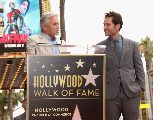Michael Douglas honors actor Paul Rudd