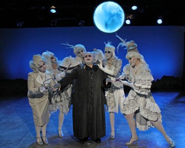 Uncle Fester sings to his love, the moon: Liz Fallon, Cassie Bednall, Katrina Gnatek, Lionel Ruland (as Uncle Fester), Courtney Lynn Pierchoski and Rachel Womble
