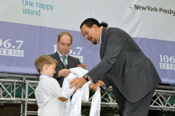 Iain Armitage with Raymond Teller and Penn Jillette